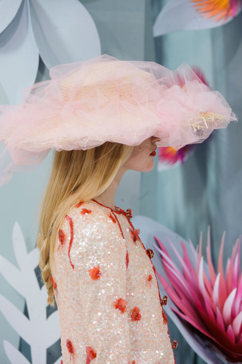 Chanel-fashion-runway-show-close-ups-haute-couture-paris-spring-summer-2015-the-impression-052