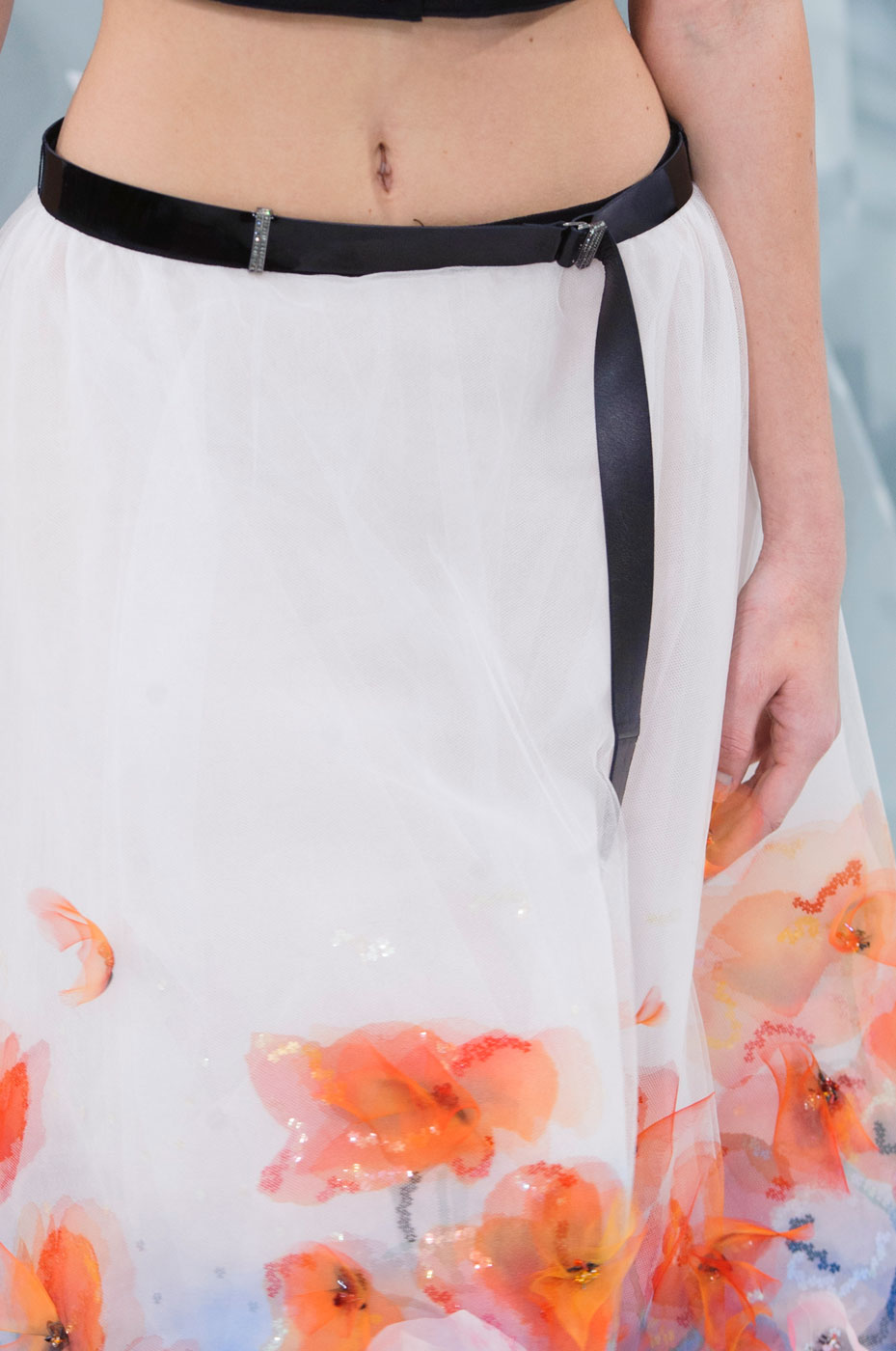 Chanel-fashion-runway-show-close-ups-haute-couture-paris-spring-summer-2015-the-impression-090