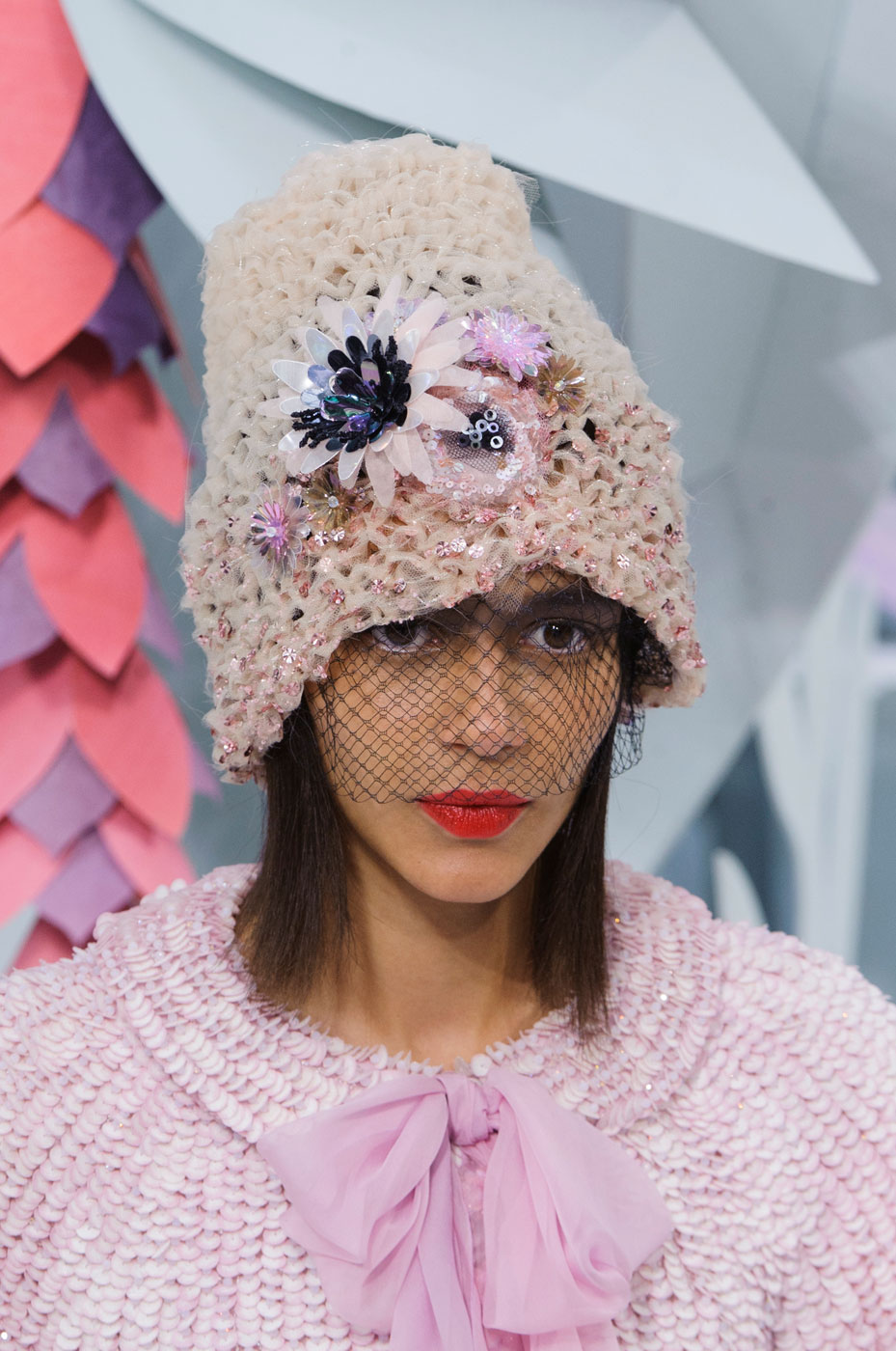 Chanel-fashion-runway-show-close-ups-haute-couture-paris-spring-summer-2015-the-impression-116