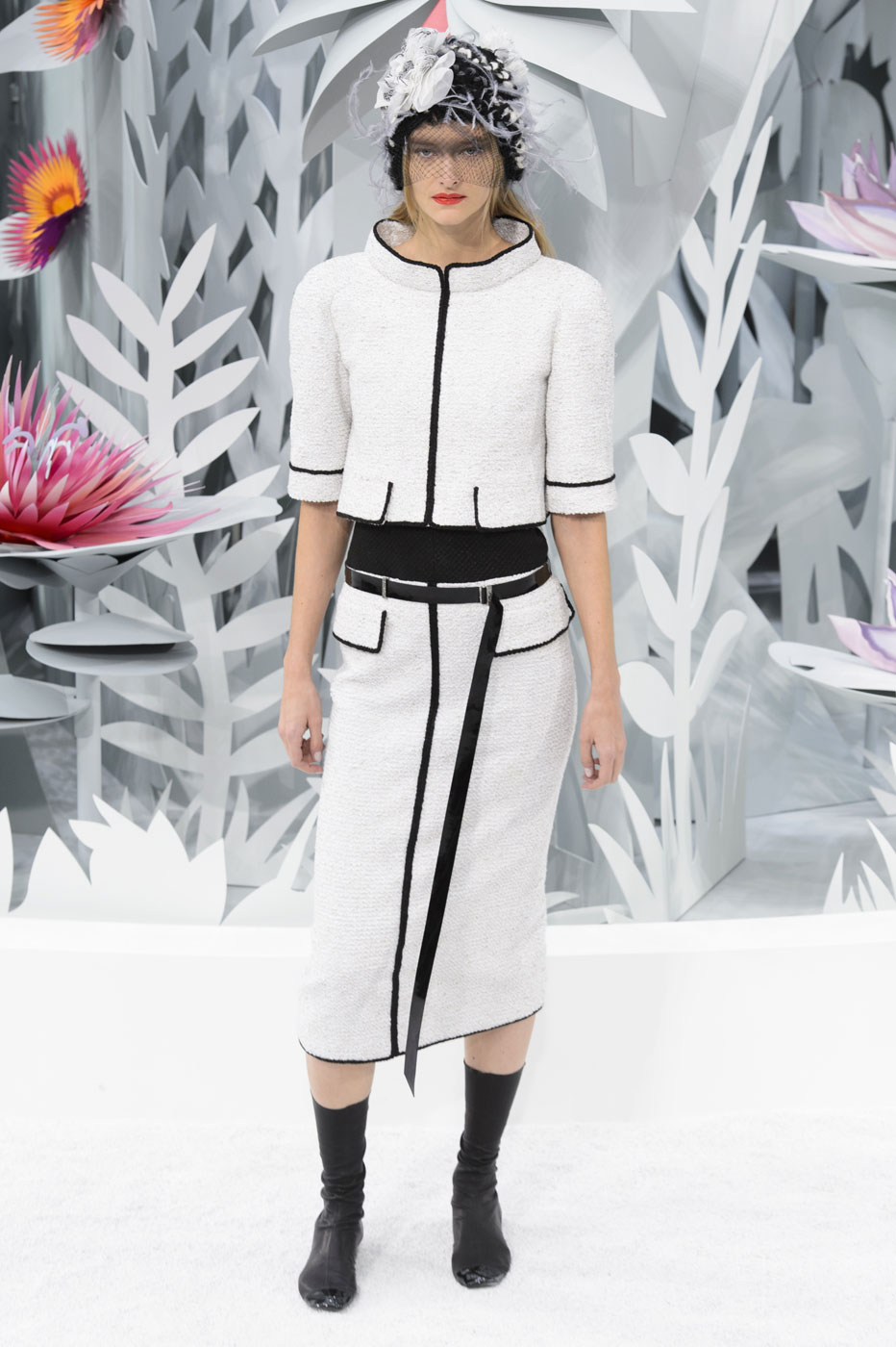 Chanel-fashion-runway-show-haute-couture-paris-spring-summer-2015-the-impression-030