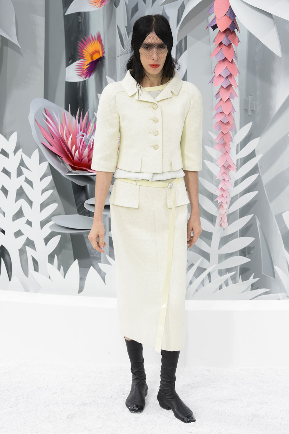 Chanel-fashion-runway-show-haute-couture-paris-spring-summer-2015-the-impression-044