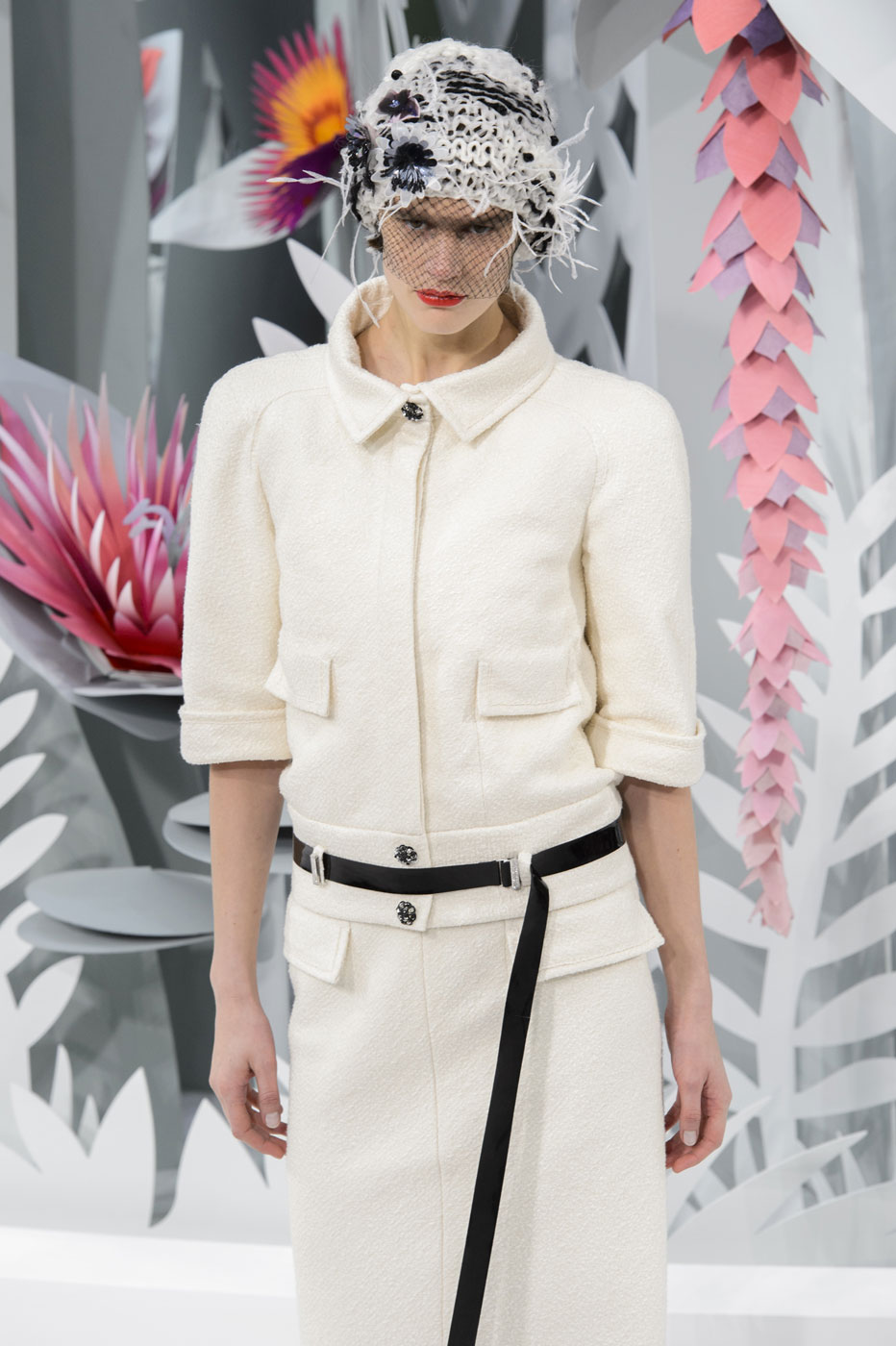 Chanel-fashion-runway-show-haute-couture-paris-spring-summer-2015-the-impression-049