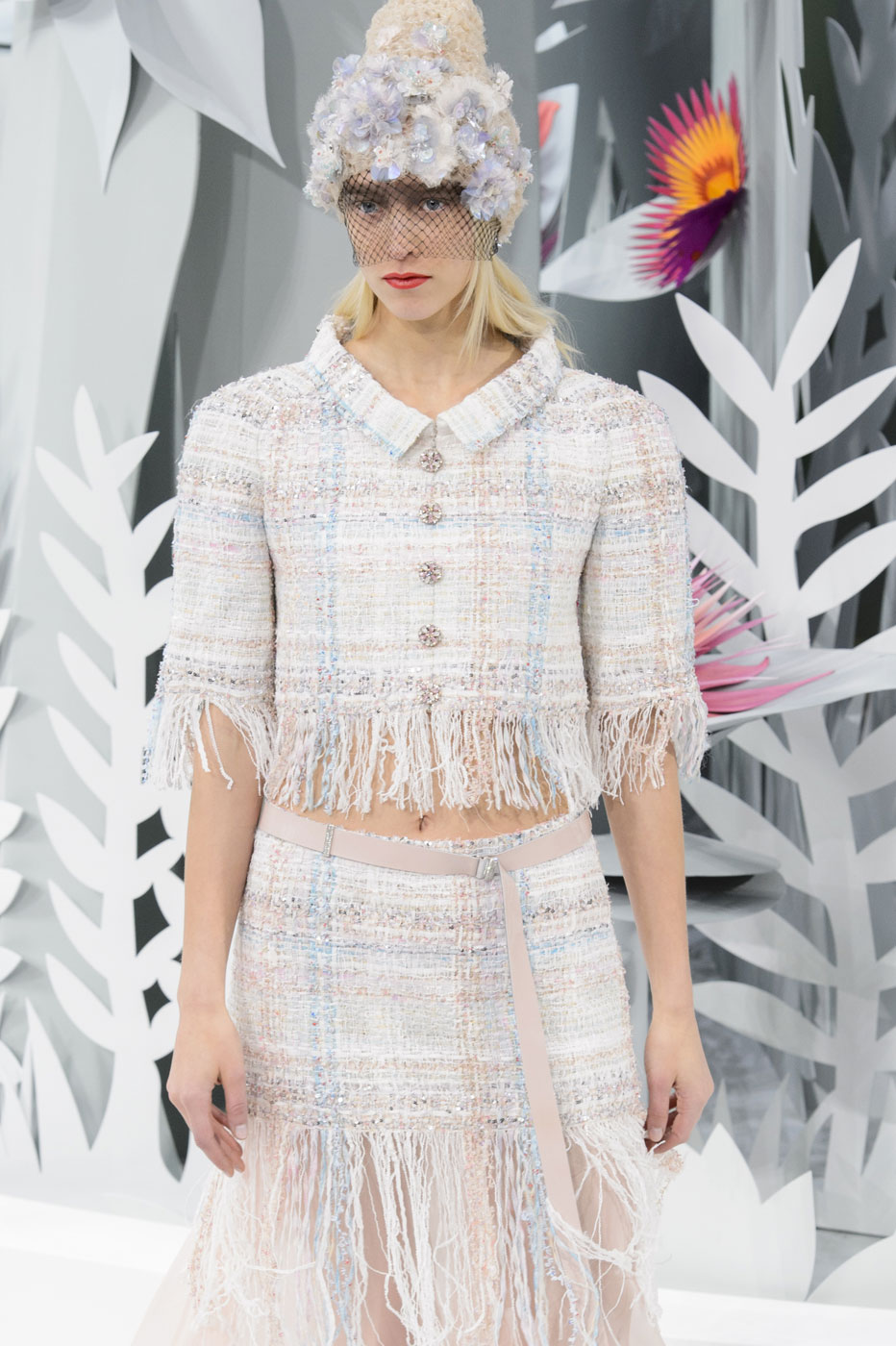 Chanel-fashion-runway-show-haute-couture-paris-spring-summer-2015-the-impression-059