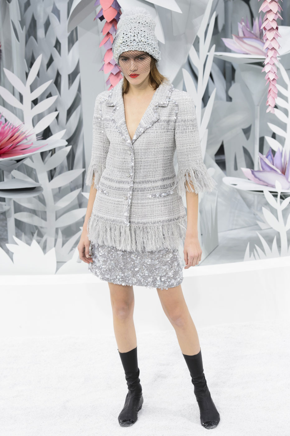Chanel-fashion-runway-show-haute-couture-paris-spring-summer-2015-the-impression-060