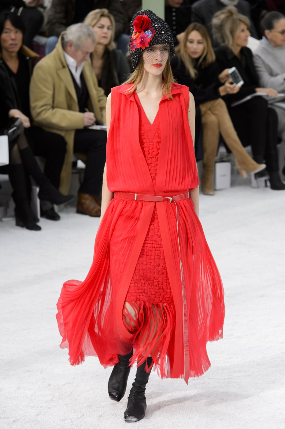 Chanel-fashion-runway-show-haute-couture-paris-spring-summer-2015-the-impression-068