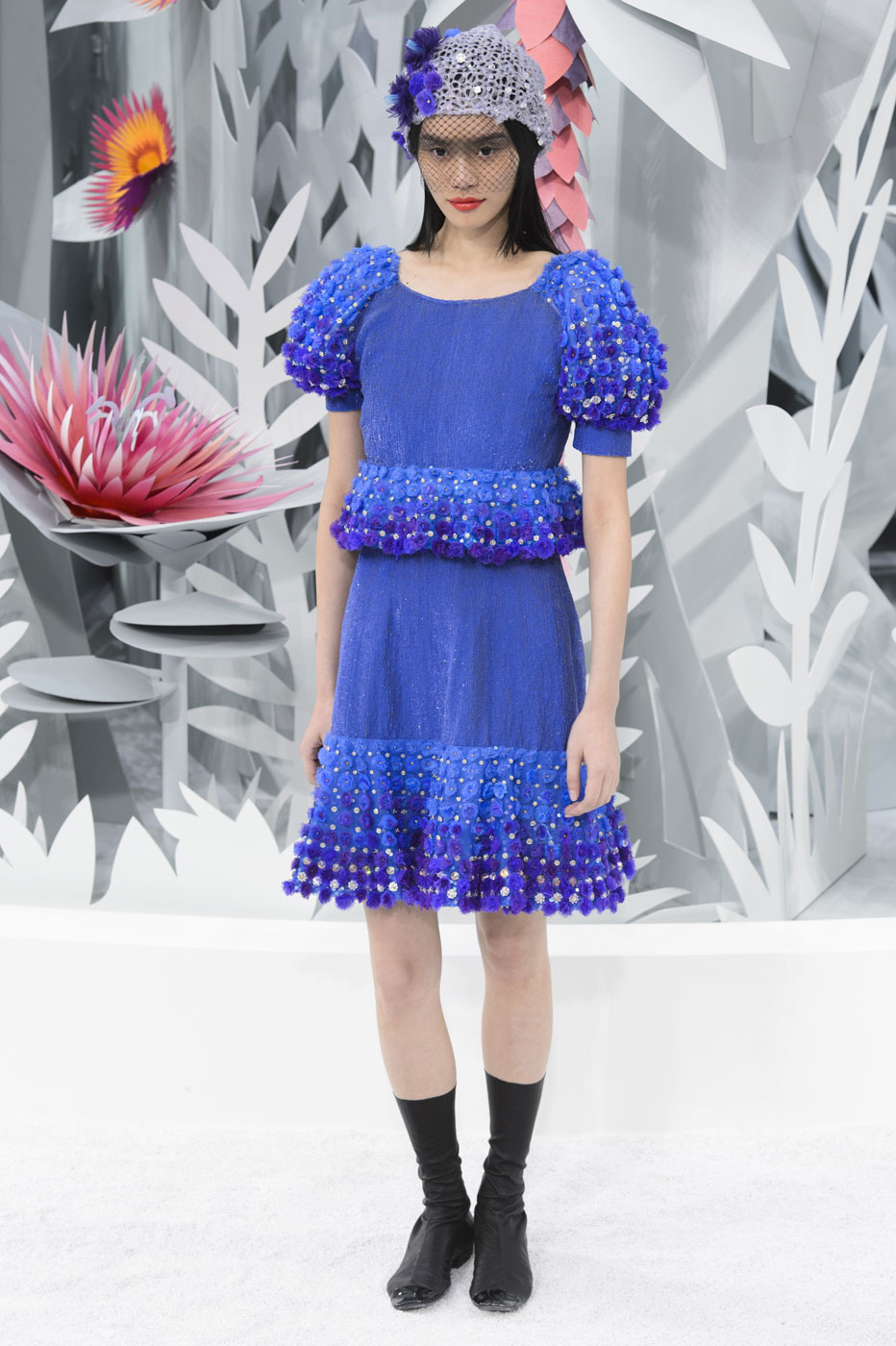 Chanel-fashion-runway-show-haute-couture-paris-spring-summer-2015-the-impression-088