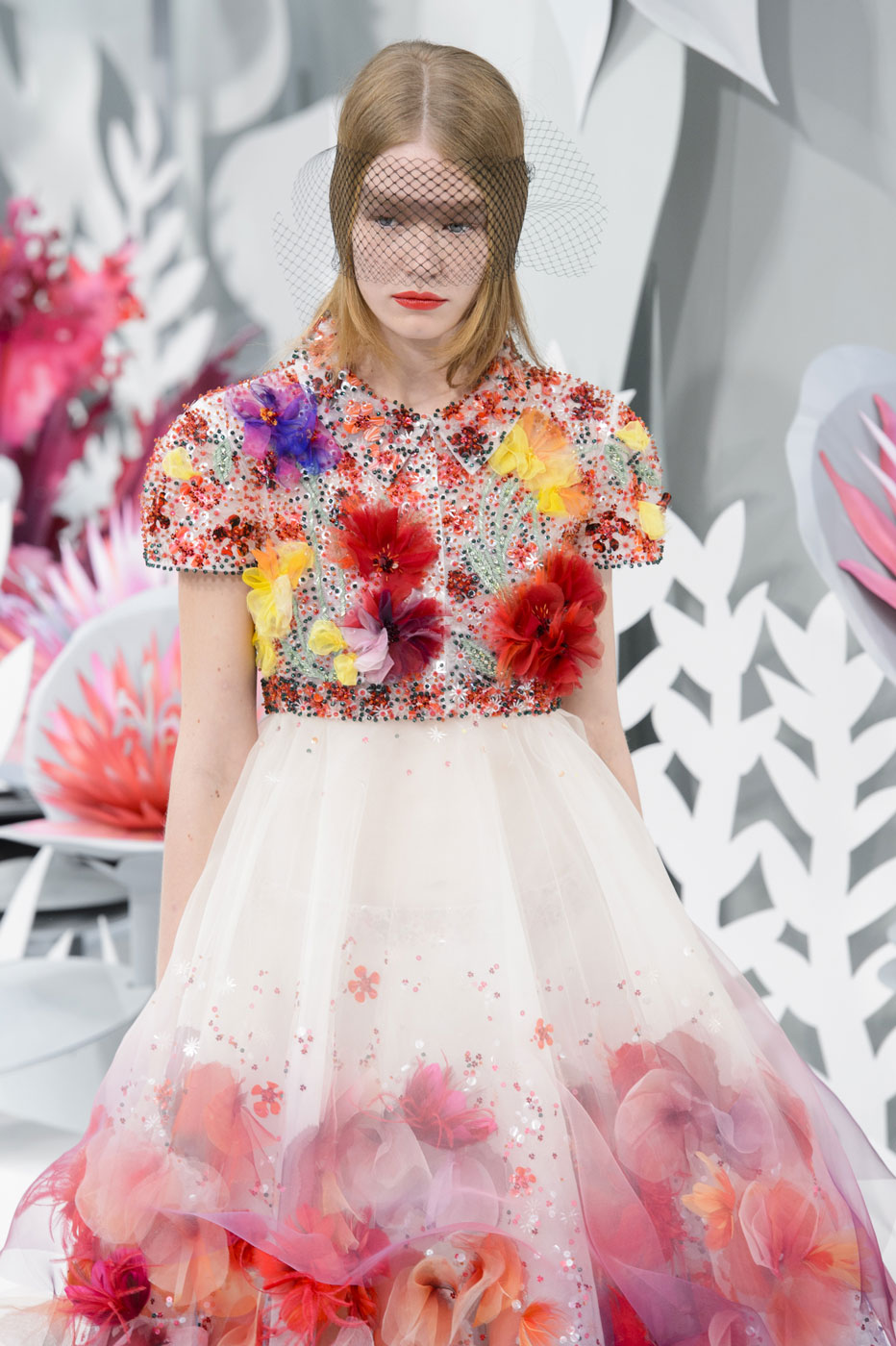 Chanel-fashion-runway-show-haute-couture-paris-spring-summer-2015-the-impression-100