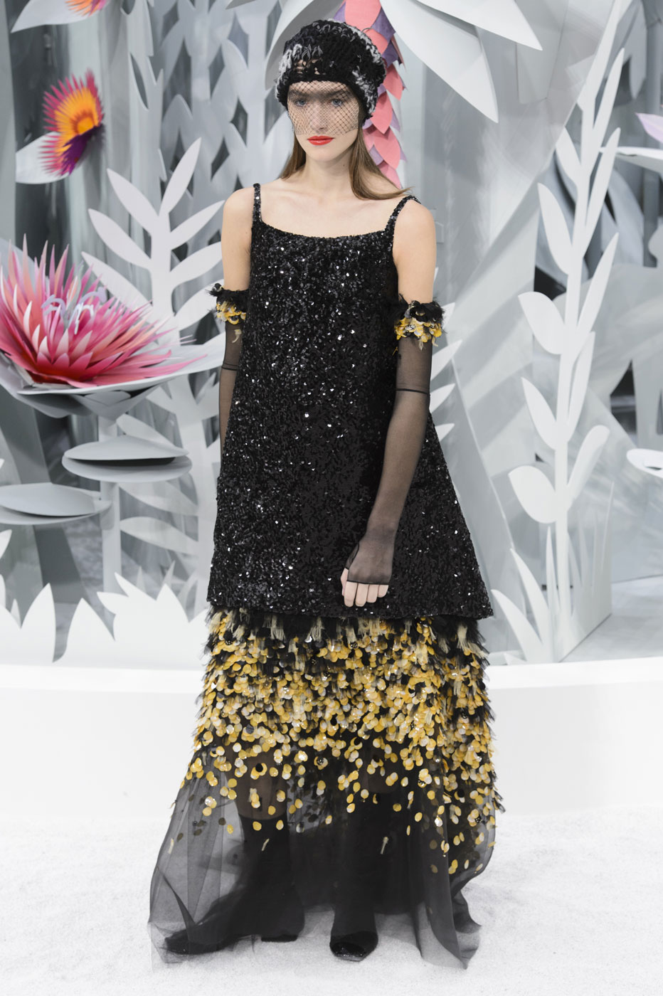 Chanel-fashion-runway-show-haute-couture-paris-spring-summer-2015-the-impression-112