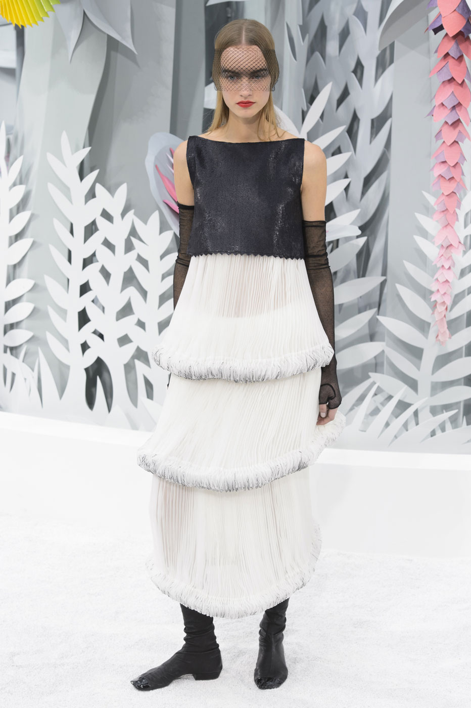 Chanel-fashion-runway-show-haute-couture-paris-spring-summer-2015-the-impression-117