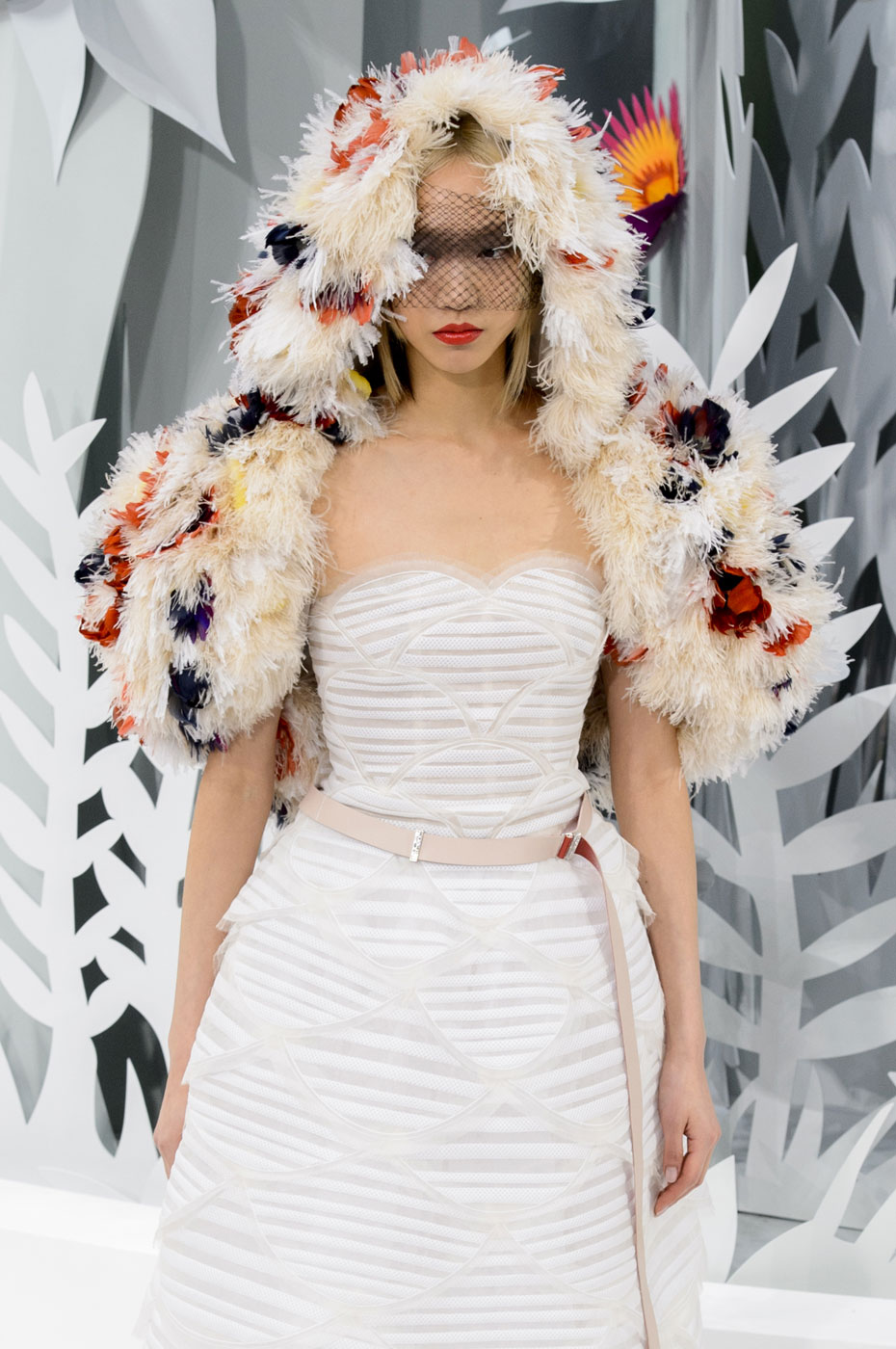 Chanel-fashion-runway-show-haute-couture-paris-spring-summer-2015-the-impression-138