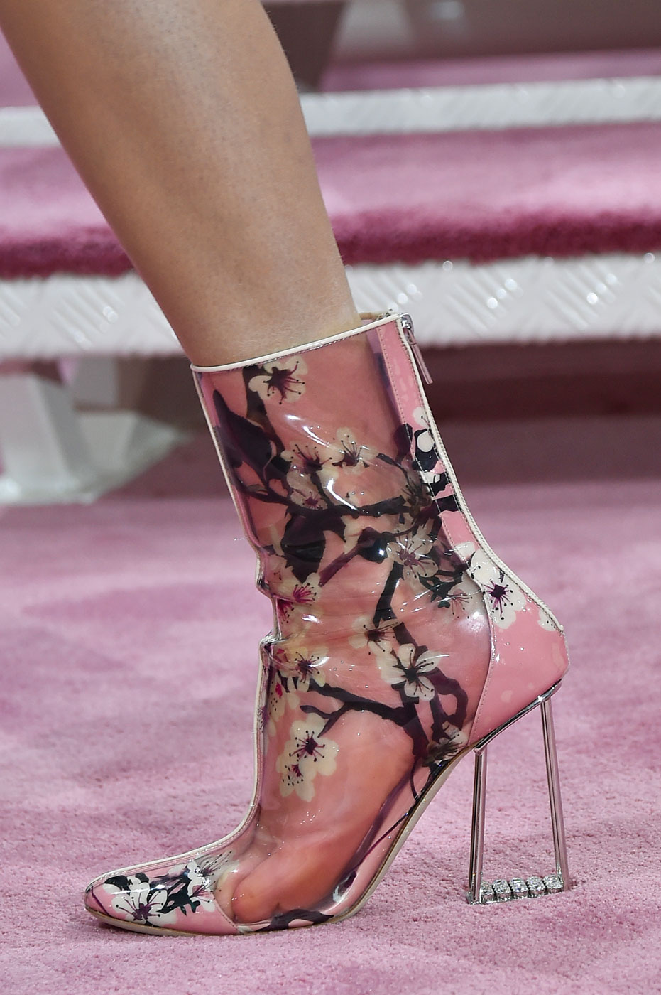 Christian-Dior-fashion-runway-show-close-ups-haute-couture-paris-spring-summer-2015-the-impression-060