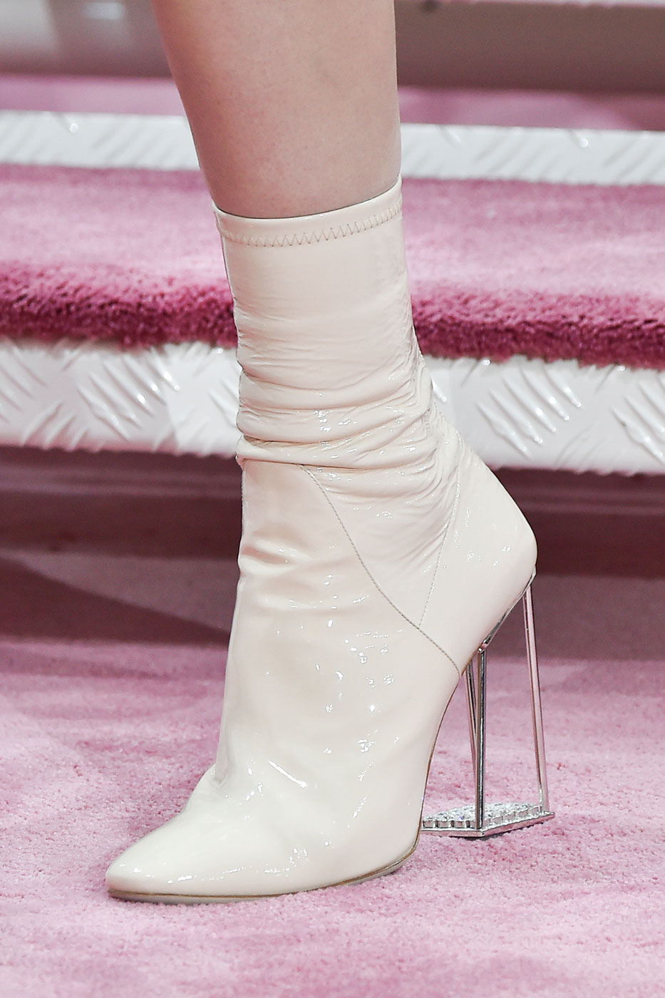 Christian-Dior-fashion-runway-show-close-ups-haute-couture-paris-spring-summer-2015-the-impression-074