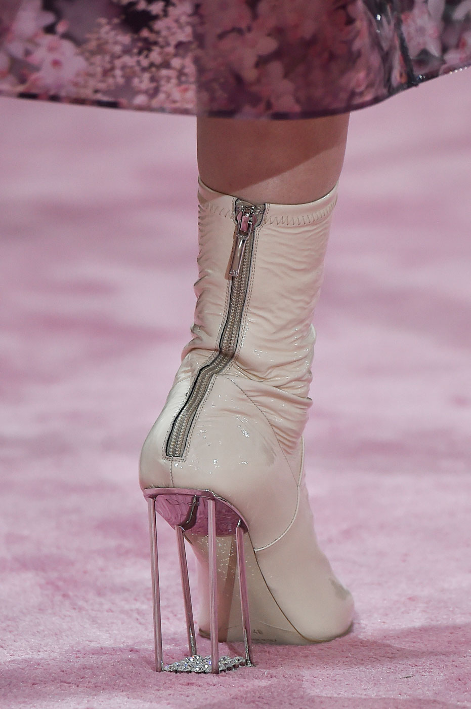Christian-Dior-fashion-runway-show-close-ups-haute-couture-paris-spring-summer-2015-the-impression-076
