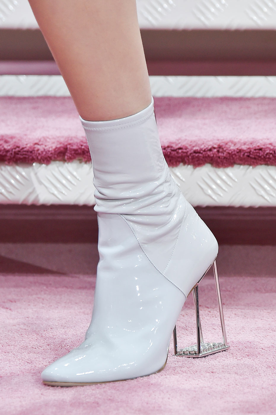 Christian-Dior-fashion-runway-show-close-ups-haute-couture-paris-spring-summer-2015-the-impression-078