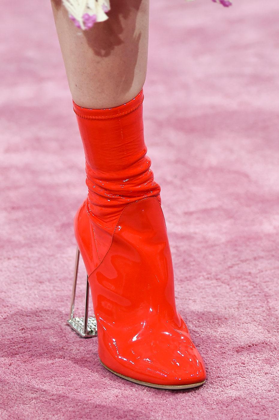 Christian-Dior-fashion-runway-show-close-ups-haute-couture-paris-spring-summer-2015-the-impression-111