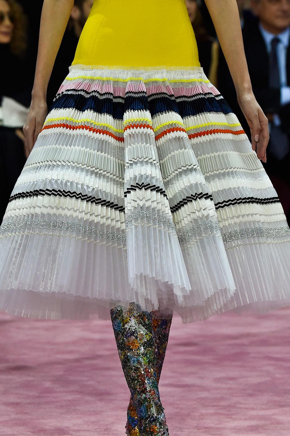 Christian-Dior-fashion-runway-show-close-ups-haute-couture-paris-spring-summer-2015-the-impression-130