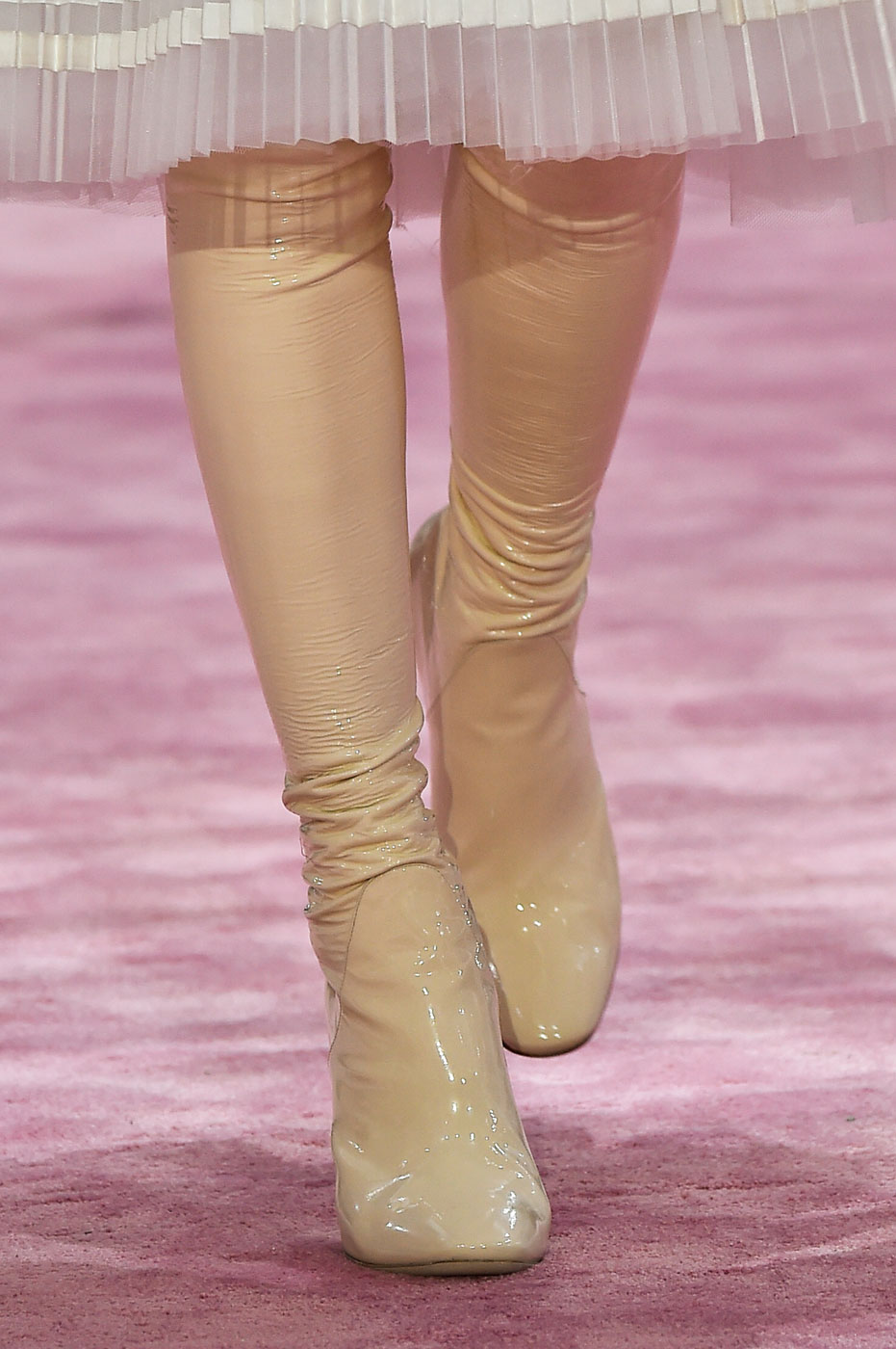 Christian-Dior-fashion-runway-show-close-ups-haute-couture-paris-spring-summer-2015-the-impression-143