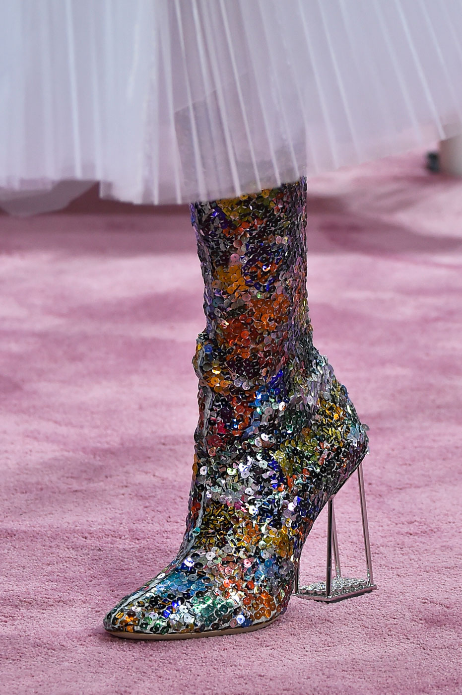 Christian-Dior-fashion-runway-show-close-ups-haute-couture-paris-spring-summer-2015-the-impression-180