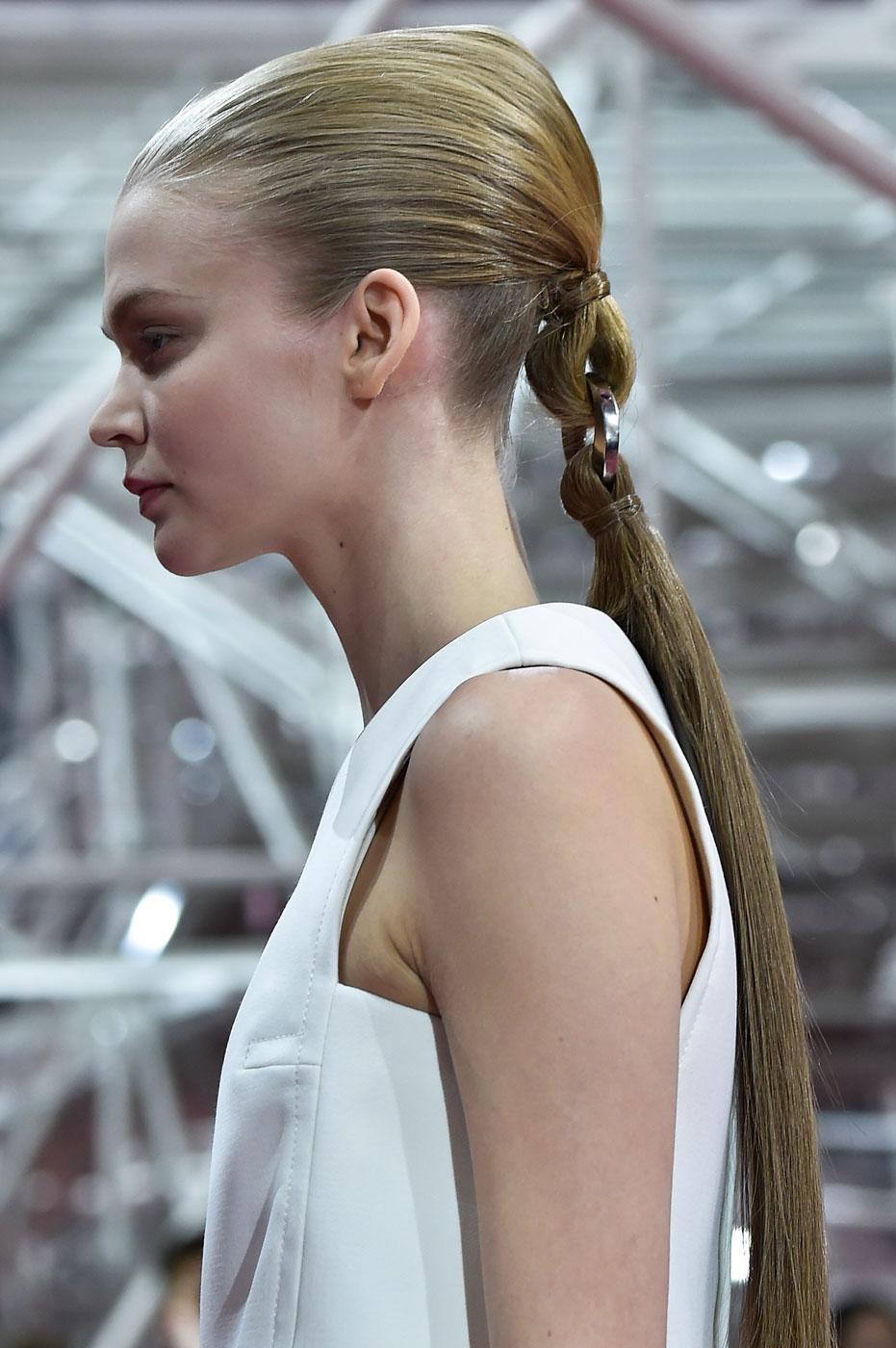 Christian-Dior-fashion-runway-show-close-ups-haute-couture-paris-spring-summer-2015-the-impression-182