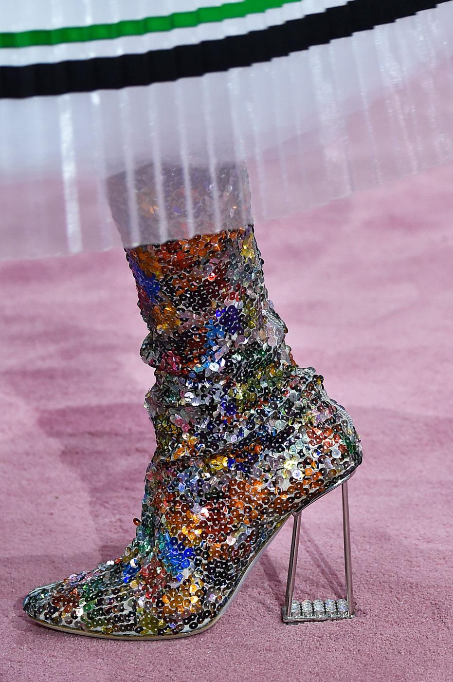 Christian-Dior-fashion-runway-show-close-ups-haute-couture-paris-spring-summer-2015-the-impression-183