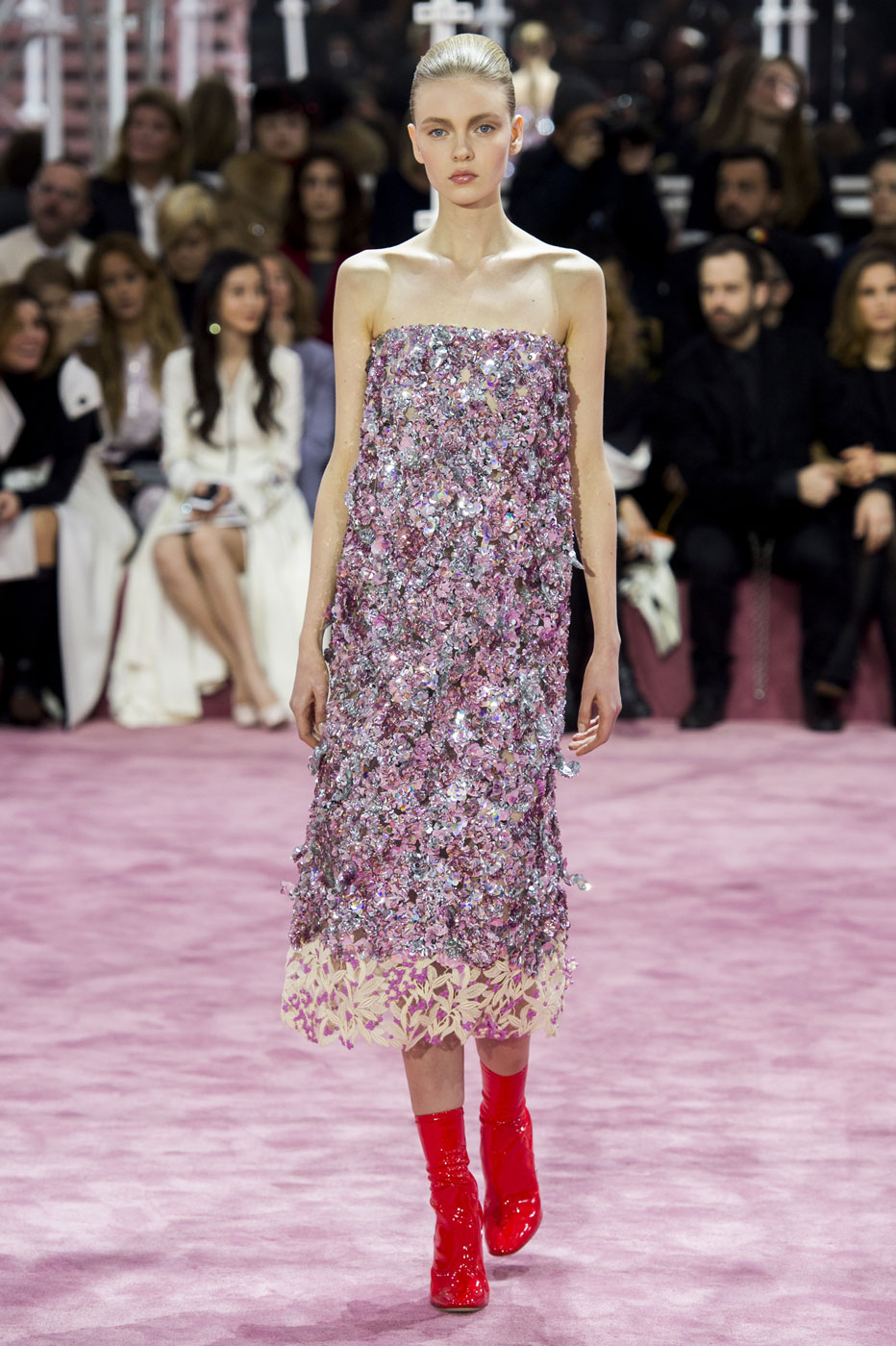 Christian-Dior-fashion-runway-show-haute-couture-paris-spring-summer-2015-the-impression-082