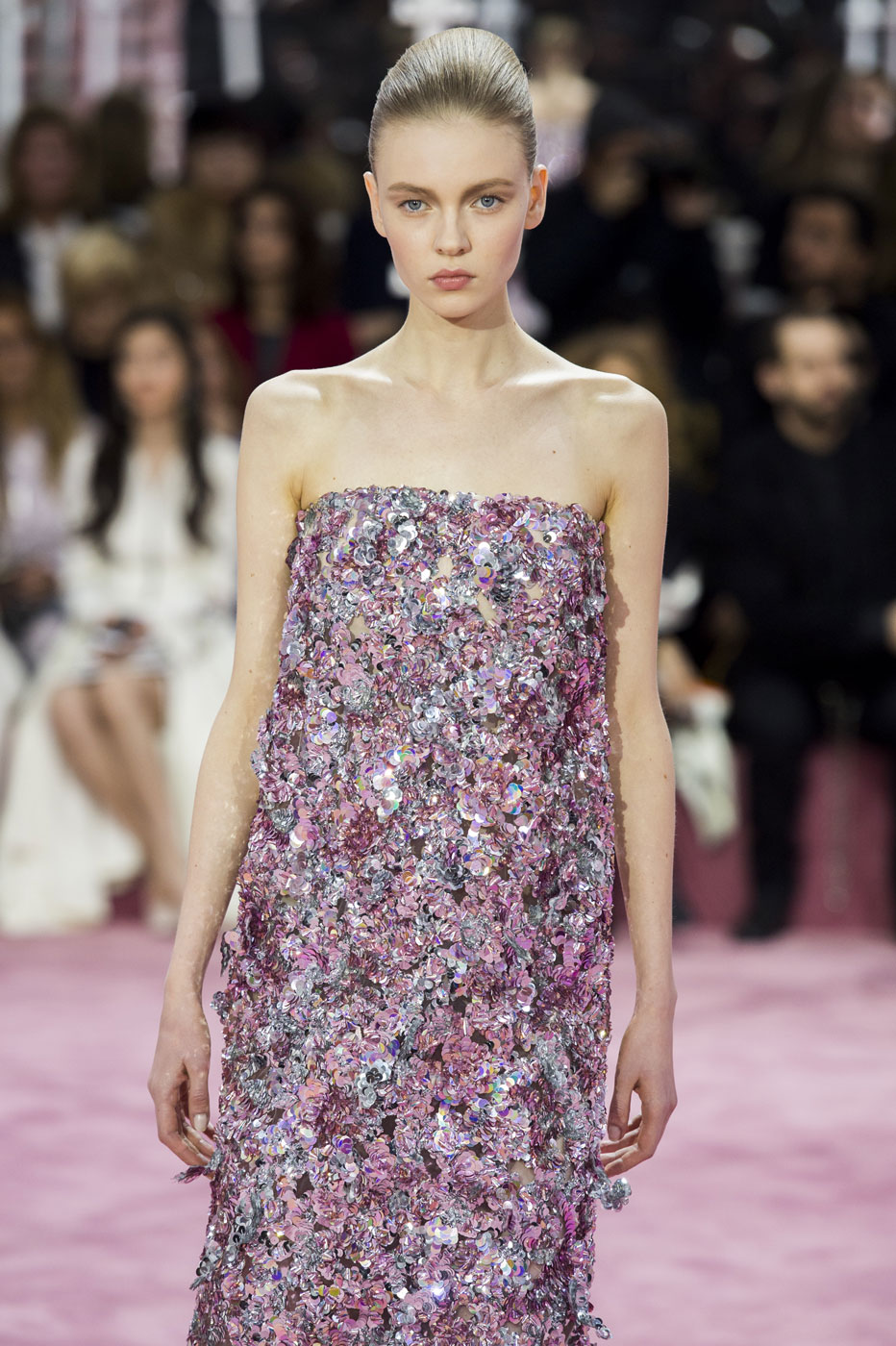 Christian-Dior-fashion-runway-show-haute-couture-paris-spring-summer-2015-the-impression-083
