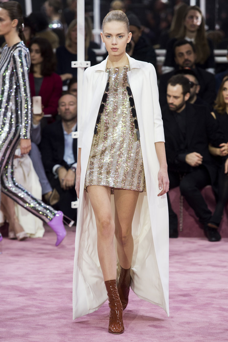 Christian-Dior-fashion-runway-show-haute-couture-paris-spring-summer-2015-the-impression-088