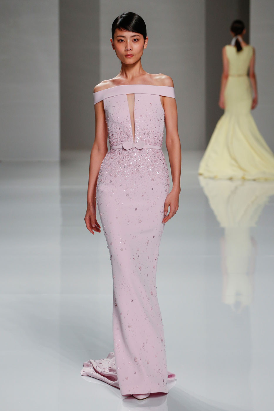 Georges-Hobeika-fashion-runway-show-haute-couture-paris-spring-2015-the-impression-25