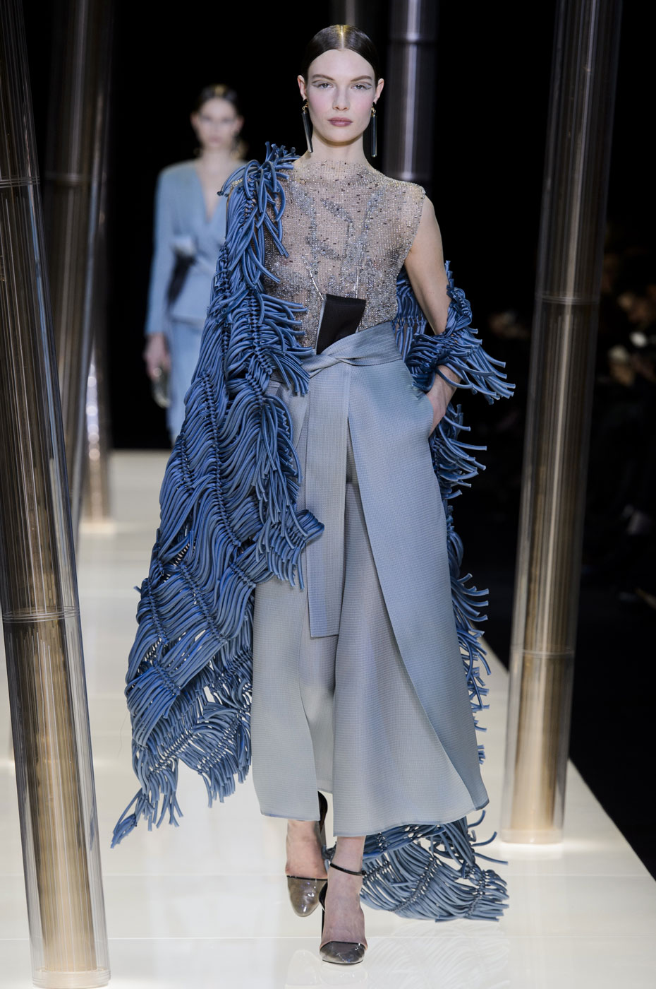 Giorgio-armani-Prive-fashion-runway-show-haute-couture-paris-spring-2015-the-impression-049