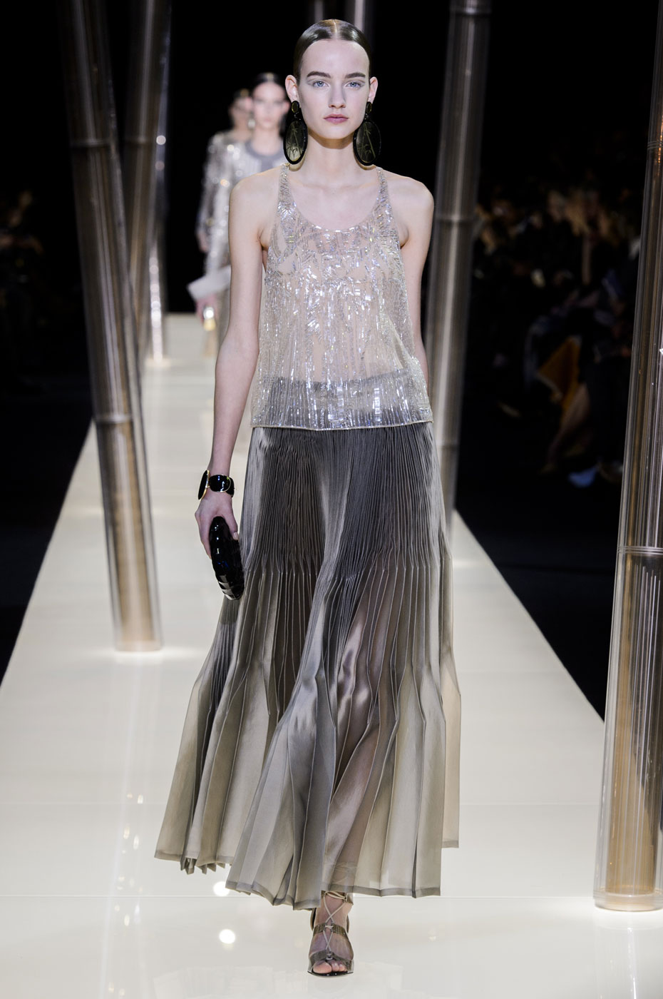 Giorgio-armani-Prive-fashion-runway-show-haute-couture-paris-spring-2015-the-impression-059