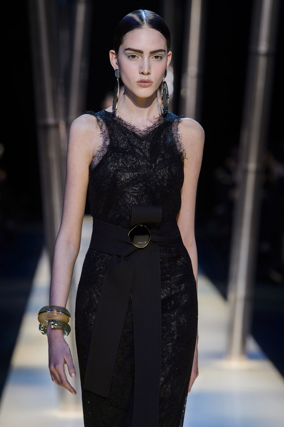 Giorgio-armani-Prive-fashion-runway-show-haute-couture-paris-spring-2015-the-impression-102