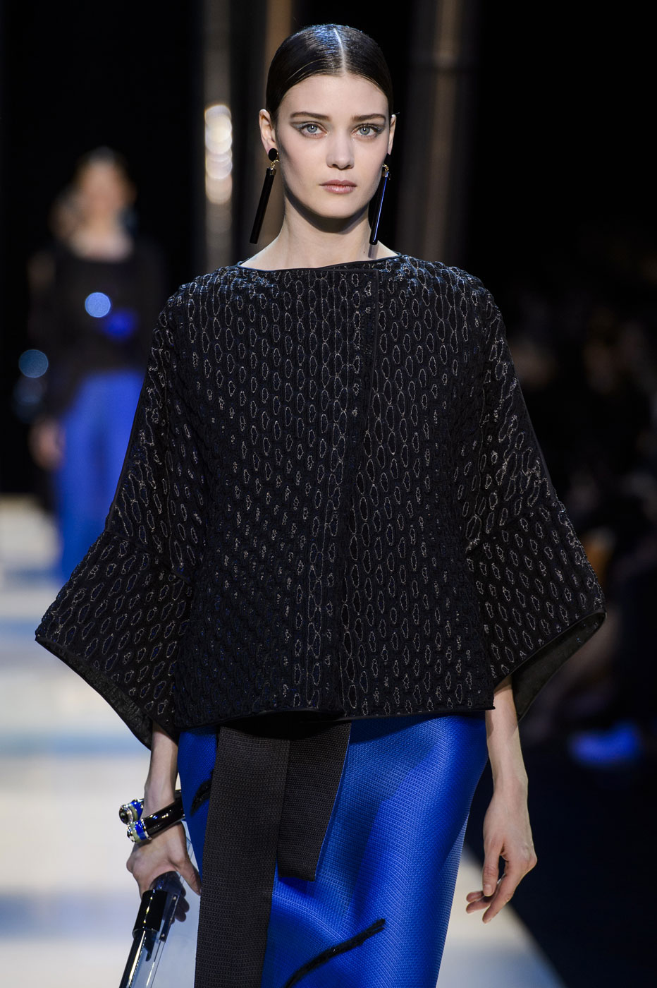 Giorgio-armani-Prive-fashion-runway-show-haute-couture-paris-spring-2015-the-impression-130