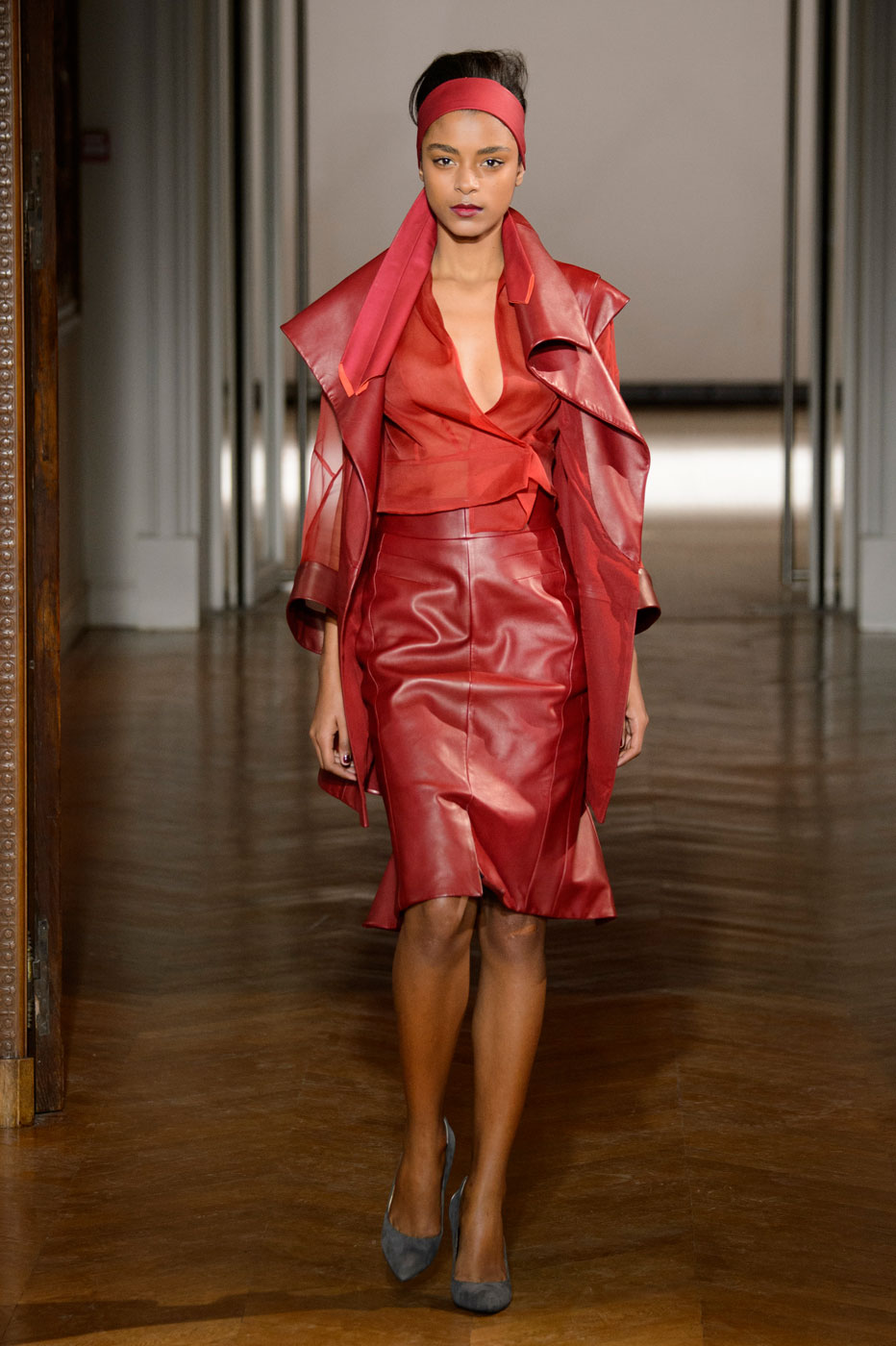 Gustavolins-Prive-fashion-runway-show-haute-couture-paris-spring-2015-the-impression-15