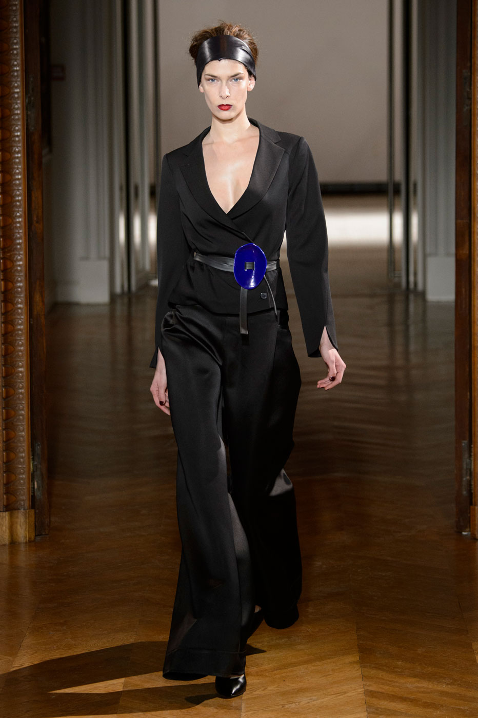 Gustavolins-Prive-fashion-runway-show-haute-couture-paris-spring-2015-the-impression-39