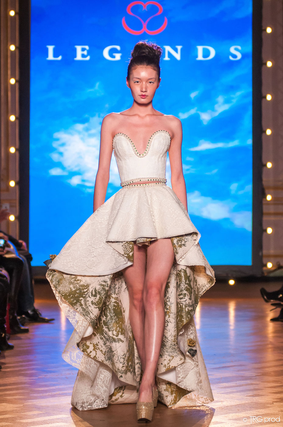 Legends-fashion-runway-show-haute-couture-paris-spring-2015-the-impression-07