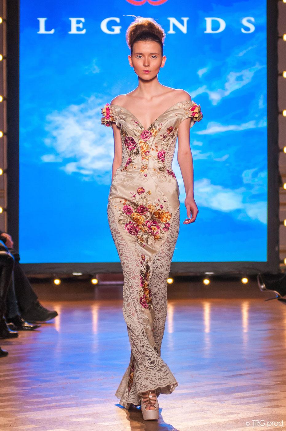 Legends-fashion-runway-show-haute-couture-paris-spring-2015-the-impression-15
