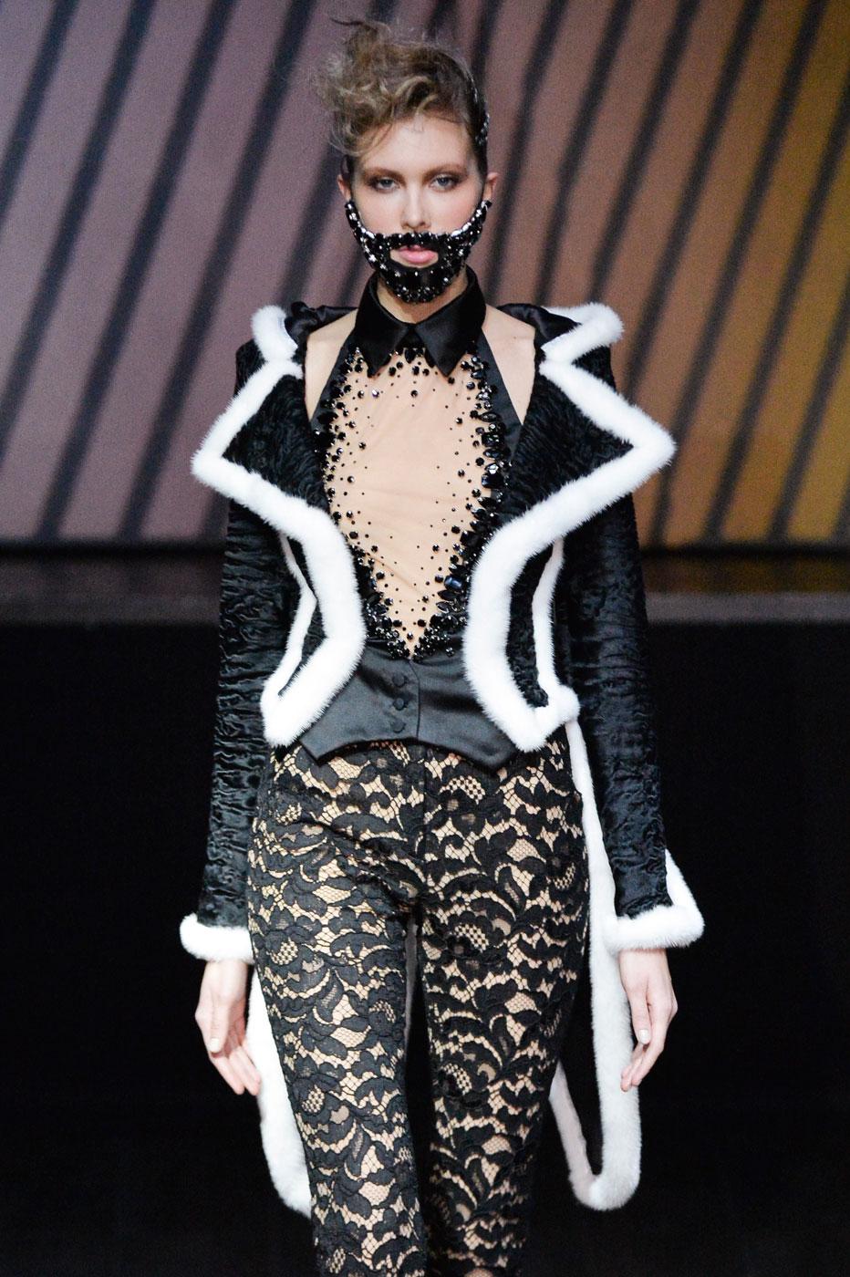 On-Aura-Tout-Vu-fashion-runway-show-haute-couture-paris-spring-summer-2015-the-impression-20
