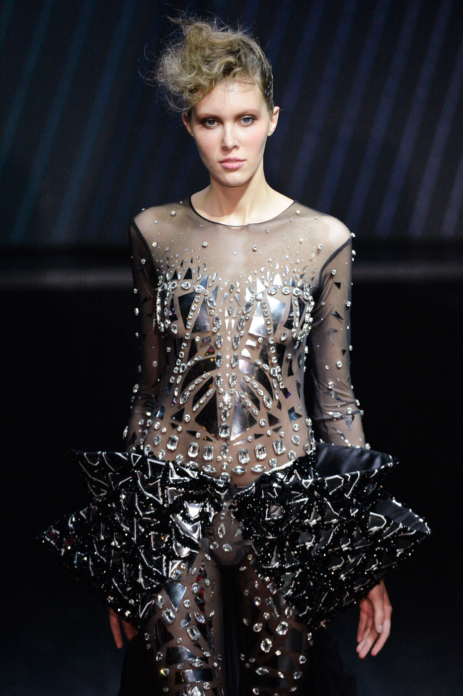 On-Aura-Tout-Vu-fashion-runway-show-haute-couture-paris-spring-summer-2015-the-impression-38