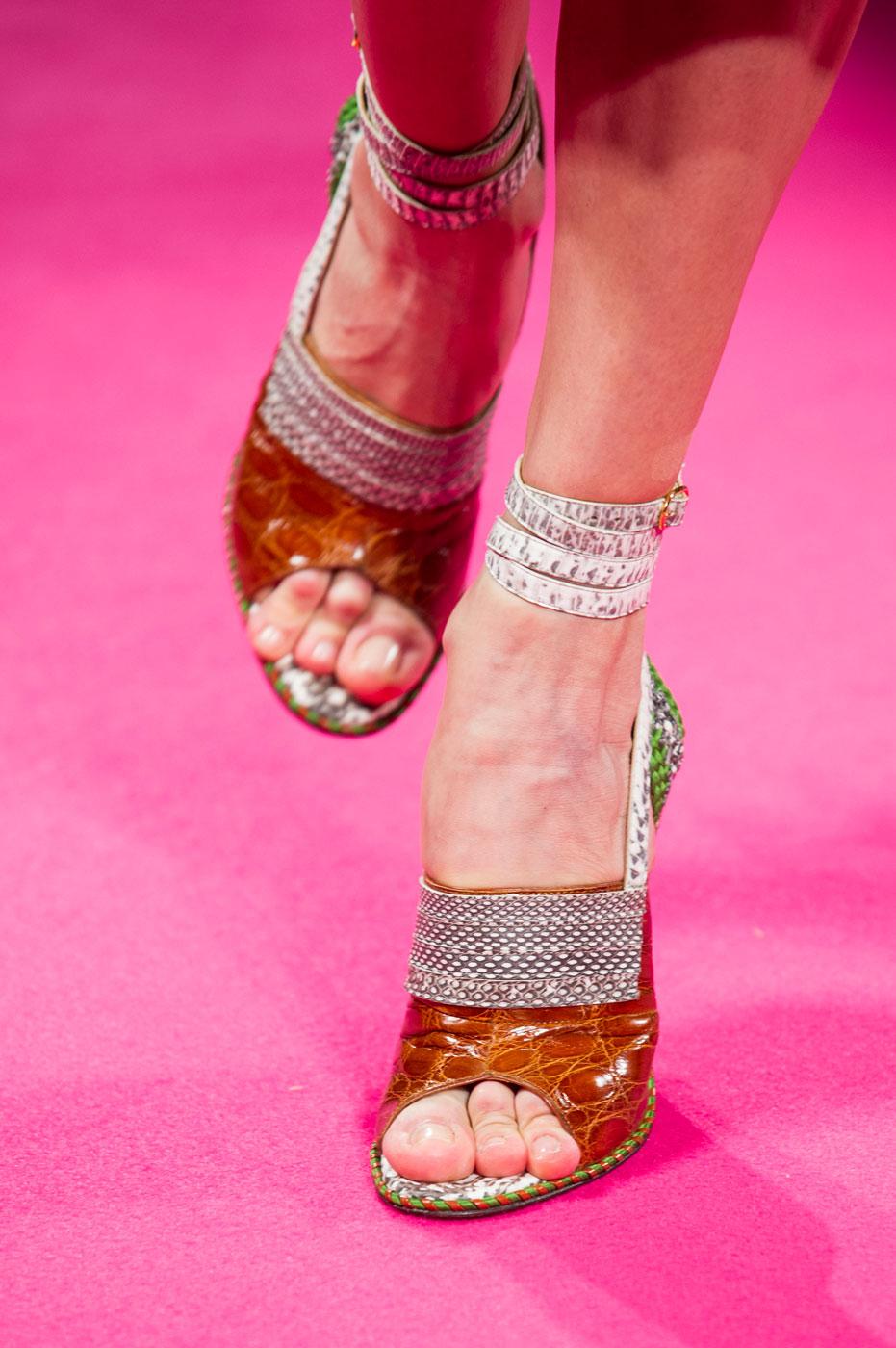 Schiaparelli-fashion-runway-show-close-ups-haute-couture-paris-spring-summer-2015-the-impression-52