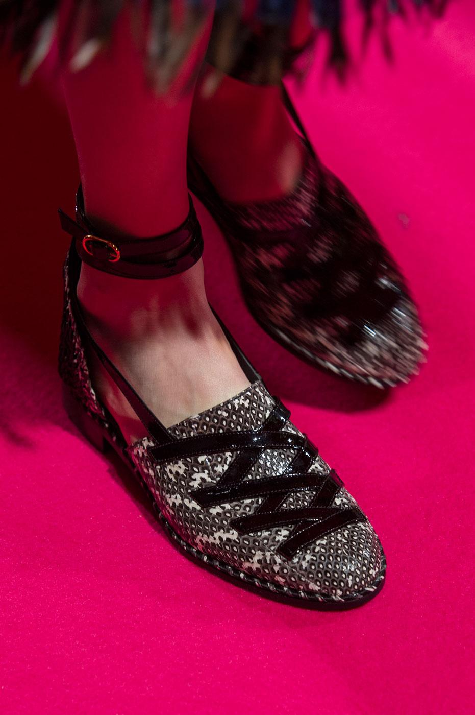 Schiaparelli-fashion-runway-show-close-ups-haute-couture-paris-spring-summer-2015-the-impression-62