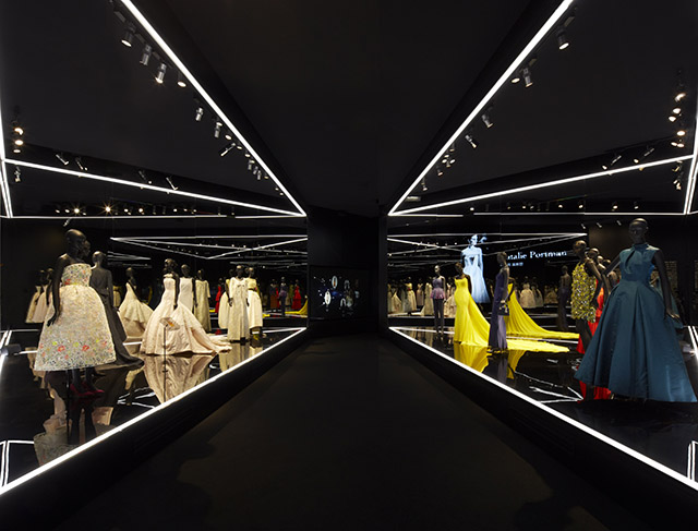 09_Stars_in_Dior_-_Esprit_Dior_Seoul_-_Bakas_01