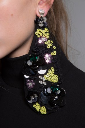 GIAMBATTISTA-VALLI-backstage-fall-2015-couture-the-impression-029