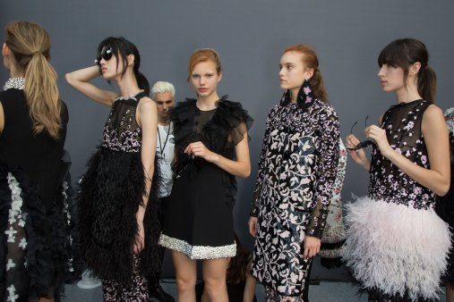 GIAMBATTISTA-VALLI-backstage-fall-2015-couture-the-impression-054
