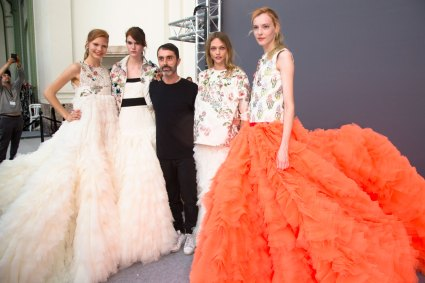 GIAMBATTISTA-VALLI-backstage-fall-2015-couture-the-impression-101