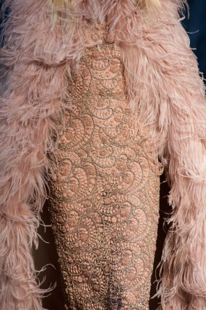 RALPH-and-RUSSO-close-ups-fall-2015-couture-the-impression-028