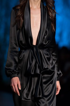 RALPH-and-RUSSO-close-ups-fall-2015-couture-the-impression-062