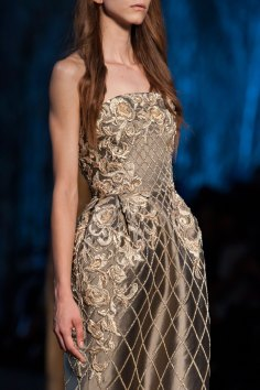 RALPH-and-RUSSO-close-ups-fall-2015-couture-the-impression-072