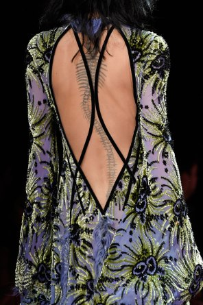 atelier-versace-close-ups-fall-2015-couture-the-impression-060