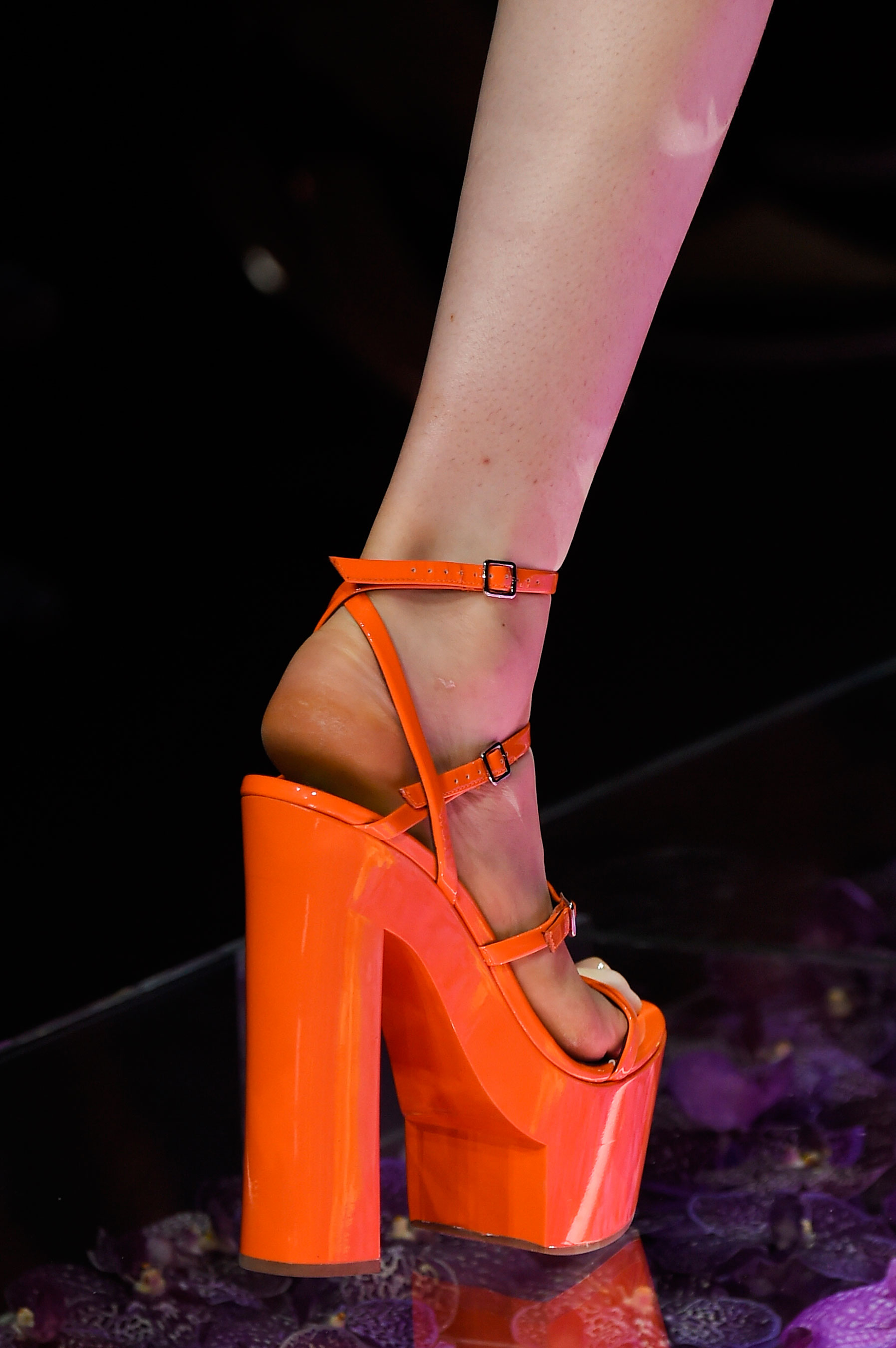 atelier-versace-close-ups-fall-2015-couture-the-impression-084