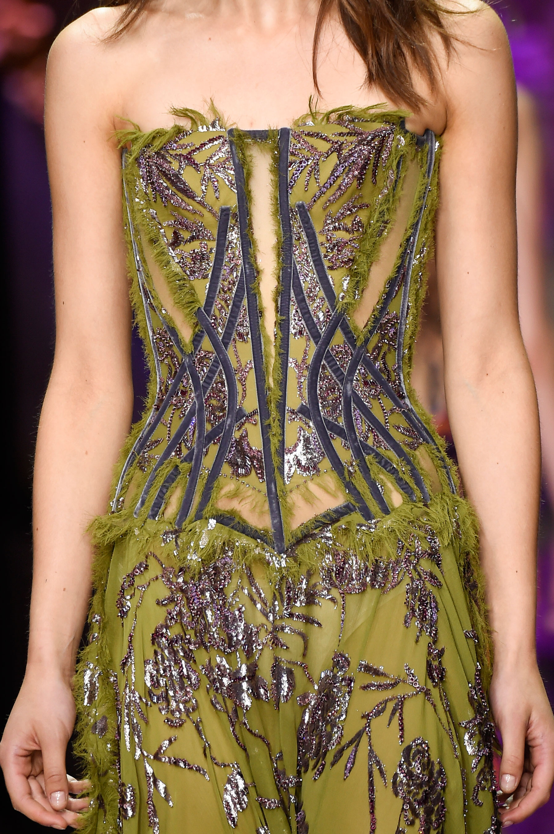atelier-versace-close-ups-fall-2015-couture-the-impression-093